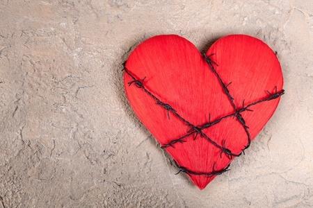Troppo Amore: come uscire da un amore che rende la vita una prigione